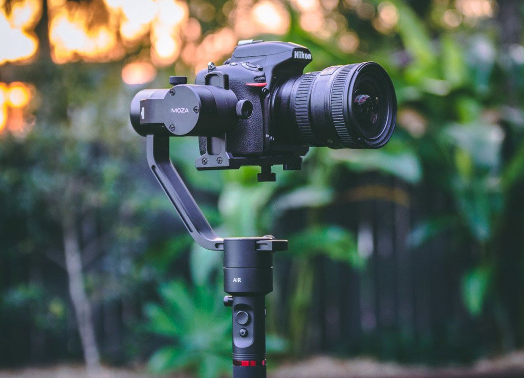 The Gudsen Moza Air Is the DSLR Gimbal Your Wallet's Been Waiting For